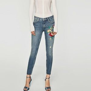 Zara Embroidered Studded Raw Hem Skinny Jeans 28/6